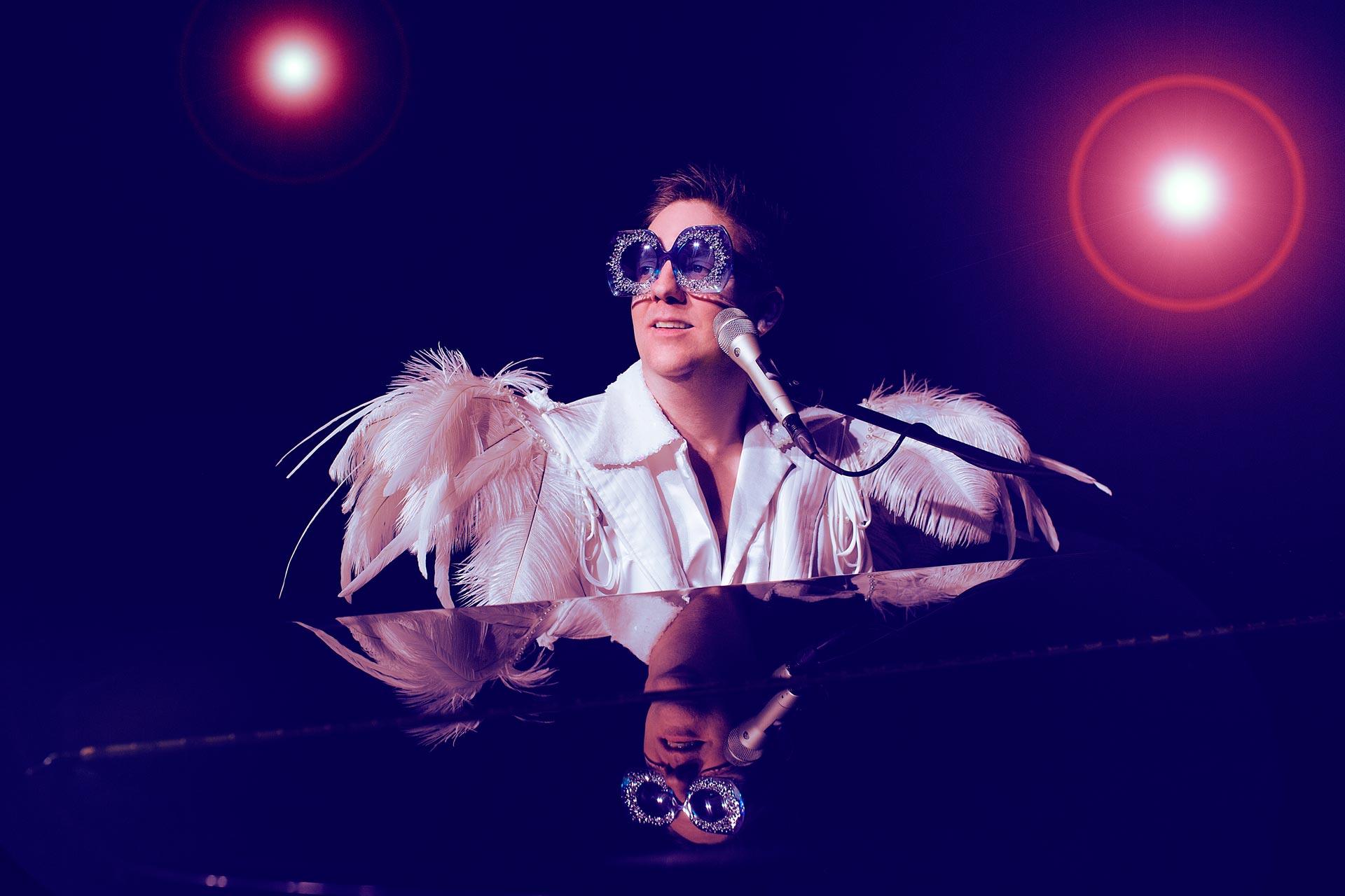 Elton Feathers